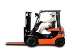 xe nâng điện toyota 1 tấn